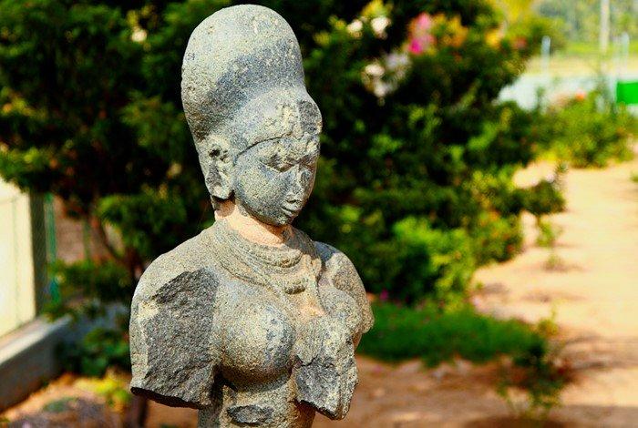 facts about Hampi, Bust of krishnadevaraya's queen at Archaeological Museum, Kamalapur, Hampi. Image Credits @ vkiran_2000